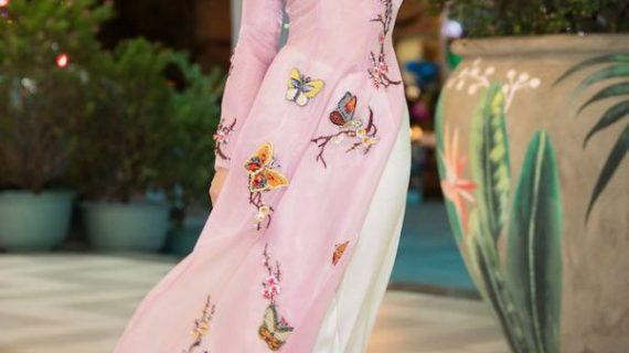 Xu hướng 10 mẫu áo dài kết hoa rơi đẹp & hot nhất 2020