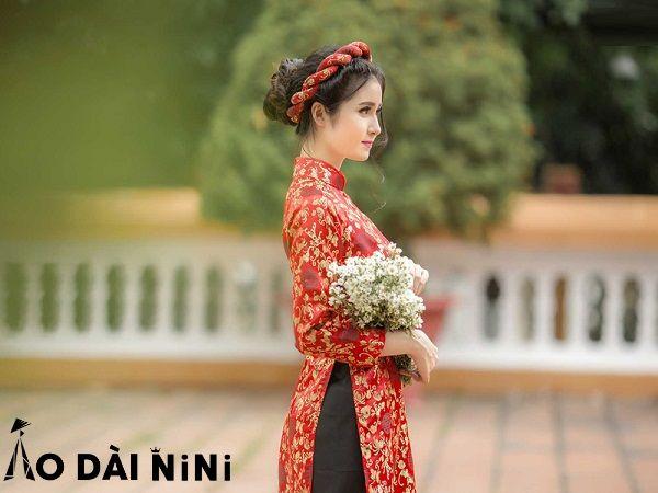 5 kiểu bới tóc cô dâu mặc áo dài đội mấn duyên dáng yêu kiều