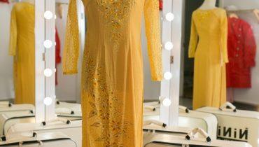 30+ mẫu áo dài bà sui màu vàng đẹp sang trọng nhất 2020