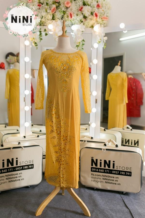 30+ mẫu áo dài bà sui màu vàng đẹp sang trọng nhất 2021