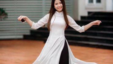 Áo dài trắng quần đen. Cách phối màu Phá vỡ phong cách đẹp nổi trội