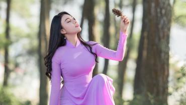 99 Mẫu áo dài tím Huế: tím than, tím hoa cà, tím nhạt, sen, hồng, nhung đẹp