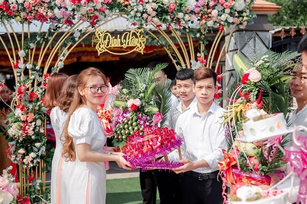 Bưng quả đám cưới (bê tráp) là gì? Lễ vật, trang phục, áo dài, những lưu ý