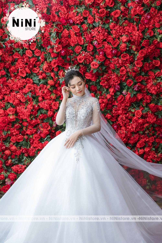 Mua váy cưới giá bao nhiêu tiền, ở đâu tại TPHCM ?