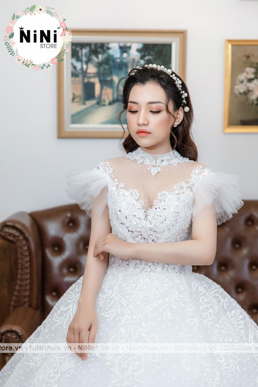 Top 20 mẫu váy cô dâu mặc tiếp khách đẹp sang gọn gàng 2021